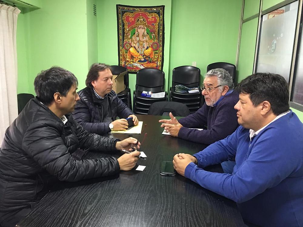 El Dr. Alejandro Gorrini junto con el Sr. Daniel Marciano, se reunieron en la Subsecretaría de Producción de la Municipalidad de Lanús
