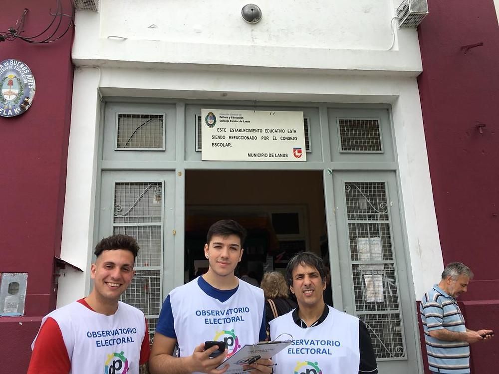 El Defensor del Pueblo Alejandro Gorrini y equipo en el Observatorio Electoral realizado en las últimas elecciones nacionales