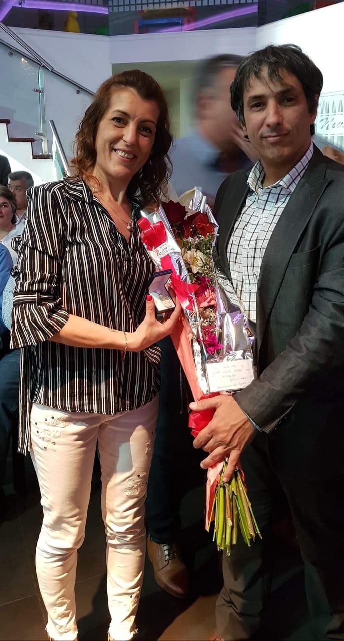 Andrea Quindimil recibió el reconocimiento por 30 años de servicio