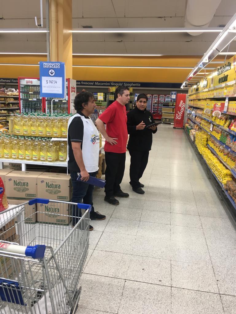 El Defensor del Pueblo de Lanús recorrió los supermercados principales del municipio para relevar los precios y abastecimiento de productos de la canasta básica