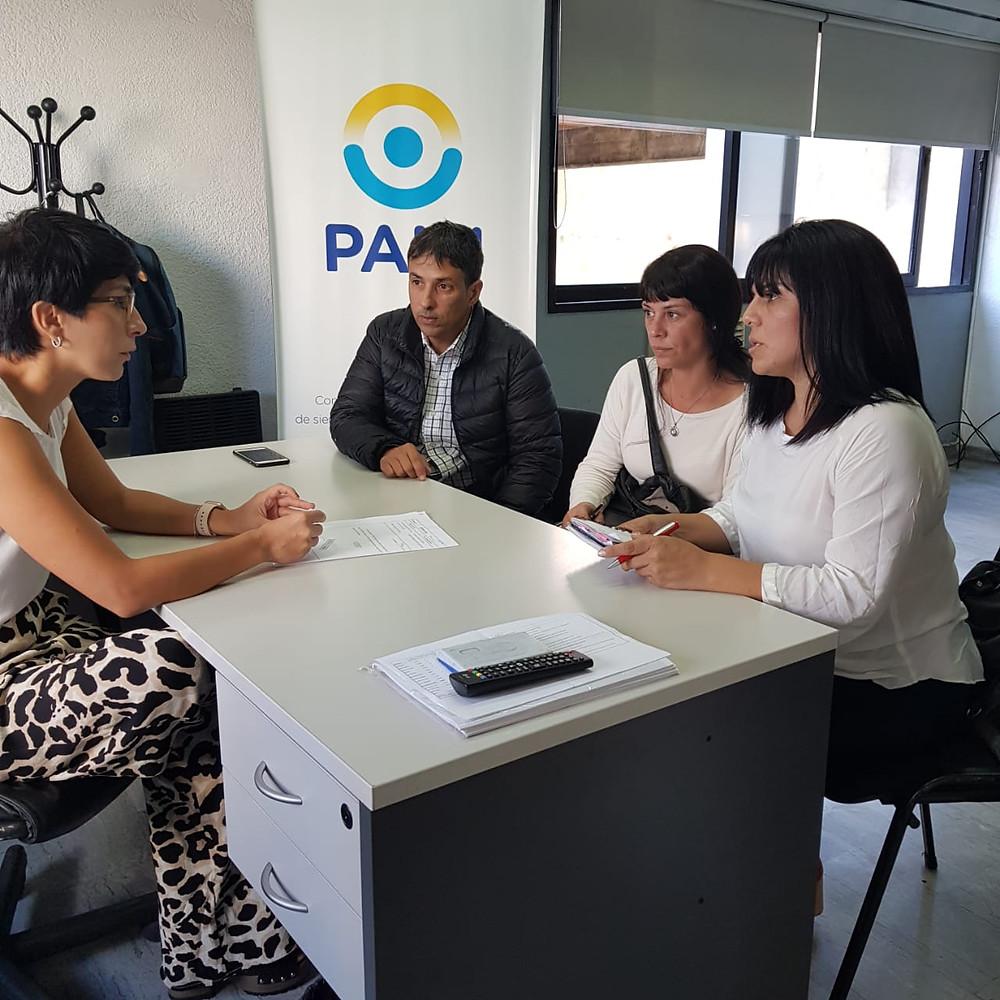 Representantes de la Defensoría del Pueblo Lanús junto a la Directora Ejecutiva de UGL X, Romina Di Giovanni
