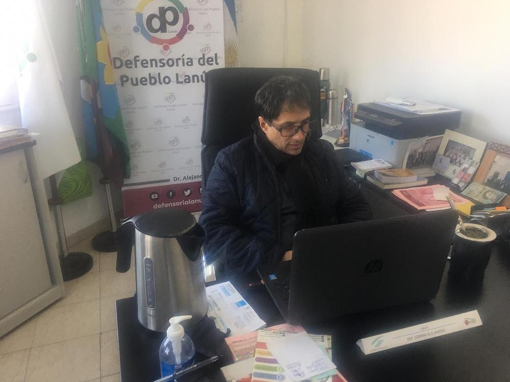 El Defensor del Pueblo de Lanús, Alejandro Gorrini, junto a su par de Avellaneda, Daniel García, se reunieron con MetroGAS.
