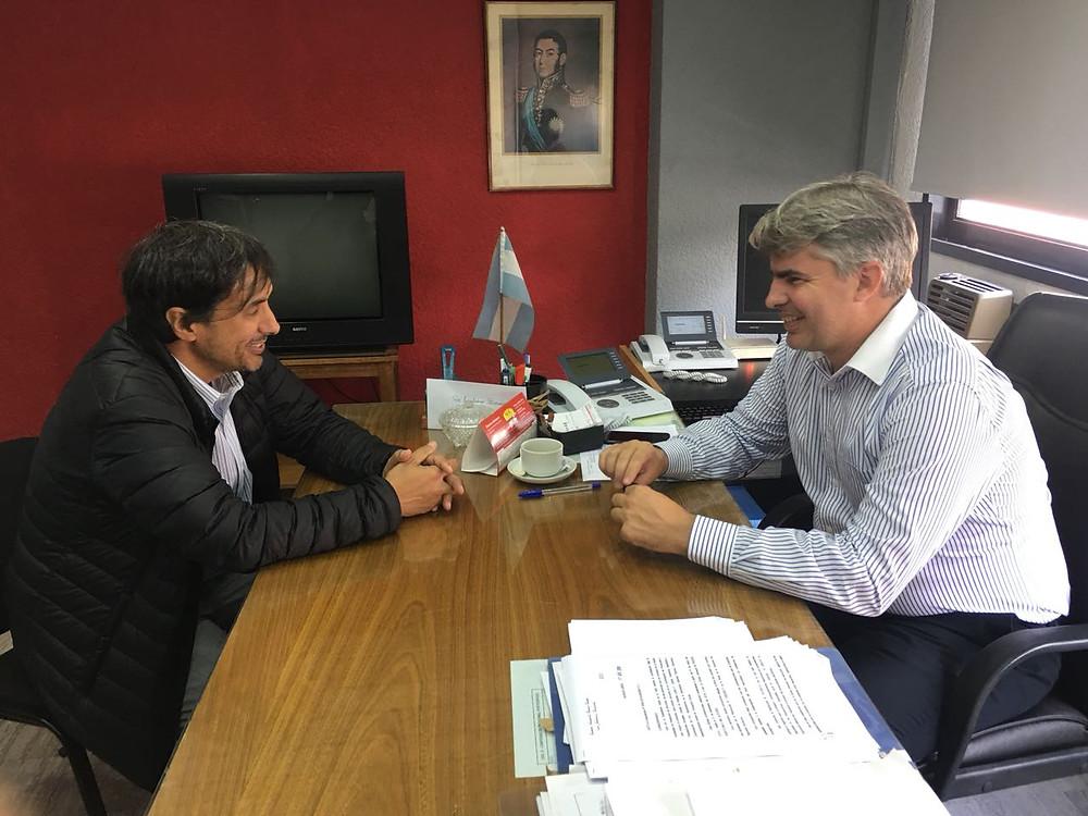El Dr. Alejandro Gorrini junto a Emiliano Bursese, Director Ejecutivo de UGL Regional de PAMI