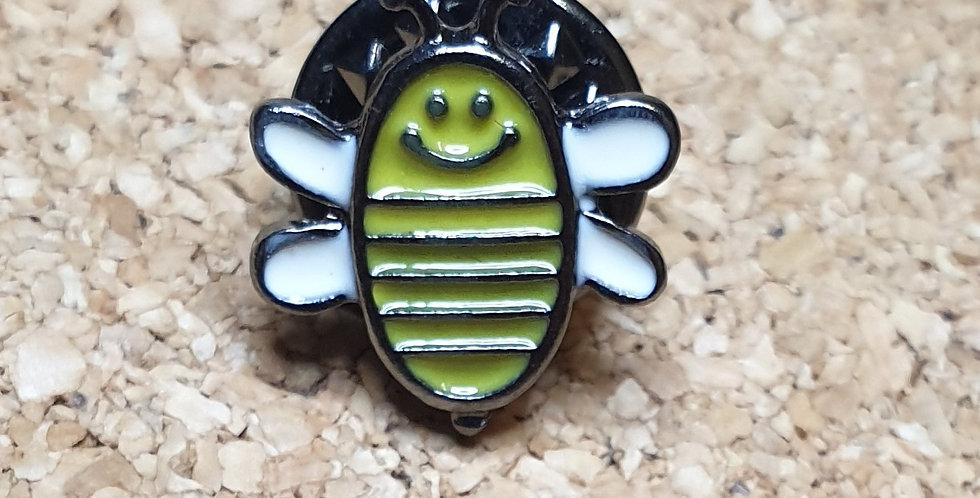 Bee Brooch - Cartoon Tiny Open Wings