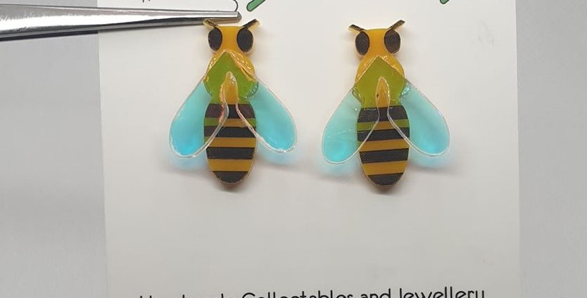 Bee stud acrylic earrings