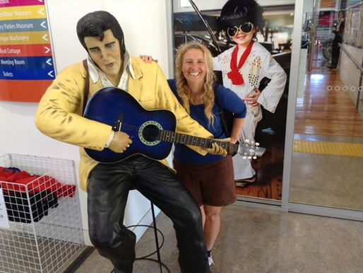 MEETING ELVIS PRESLEY IN THE AUSTRALIAN OUTBACK…..🤩