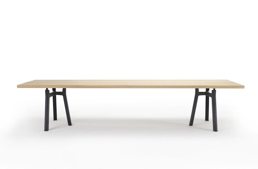 Arco Testle Table