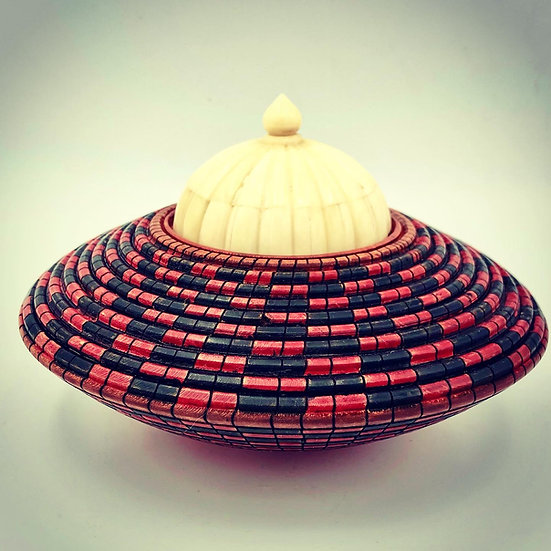 Basket Illusion Vase with Bone Lid