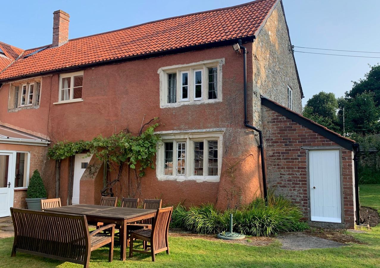 Crispin Cottage.jpg