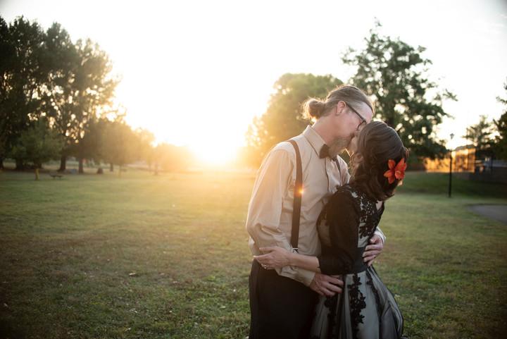 wedding kiss ohio wedding photographer