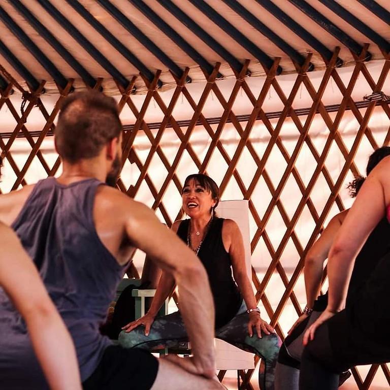 Taller de Anusara yoga con Pilar Valencia