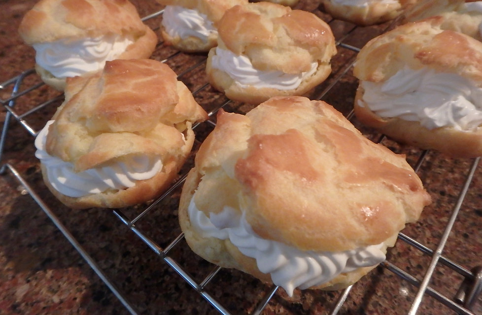 Isabella's Italian Sweets - Cream Puffs