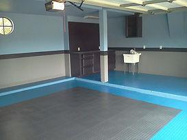 Garage-interlock-Blue-and-Black-squares-3.jpg