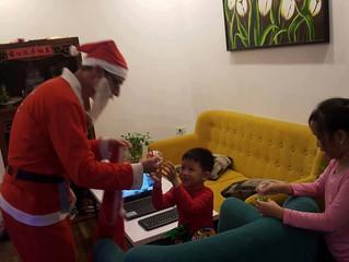 Nhận phát quà Noel khu vực HH Linh Đàm