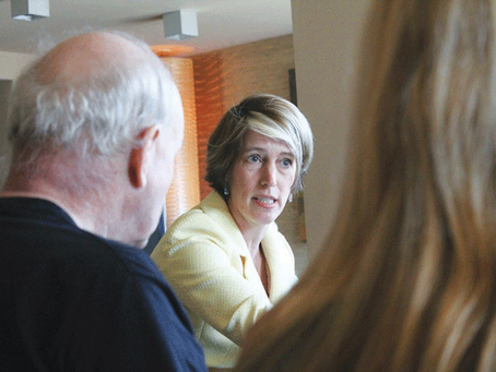 Zephyr Teachout blows into primary, pressuring Gov. Cuomo on his left