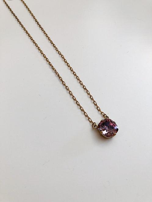 La Vie Drop Necklace in Vintage Pink