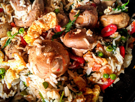 Veggie nasi goreng met ei