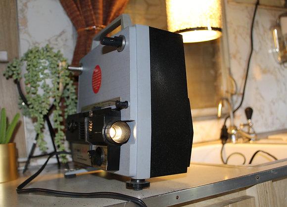 Vintage-Wards 899 Duo 8 home movie projector
