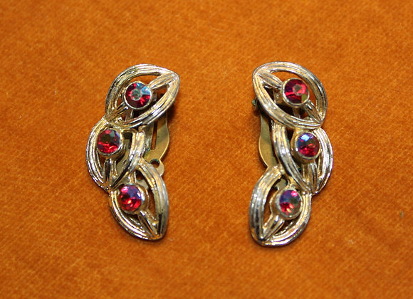 1950's Vintage red & gold clip-on earrings