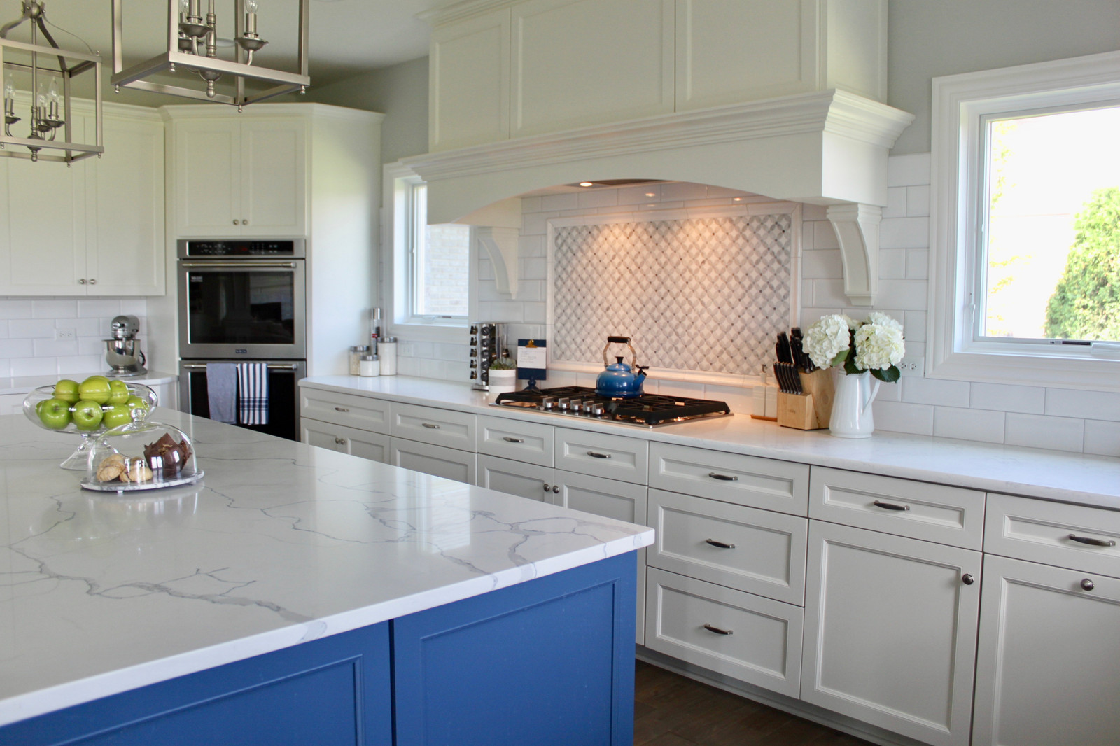 Calcutta Vincenza 3cm Q Quartz Kitchen Perimeter, Statuary Classique Q  Quartz Island Countertop with Half Bullnose Edge Profile.