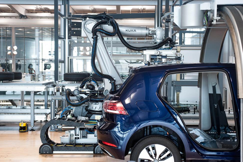 Chaîne d'assemblage de la Volkswagen e-Golf (Dresde, Allemagne)