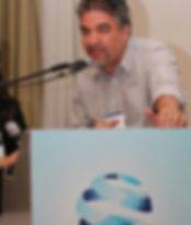 Psicólogo, psicoterapeuta e analista junguiao Denis Canal Mendes atende na Vila Madalena, em São Paulo
