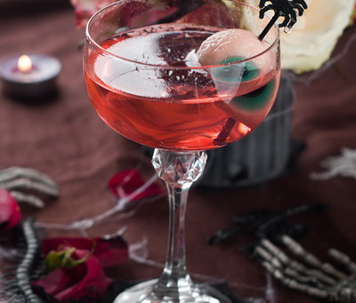6 Halloween Themed Gin Based Cocktails