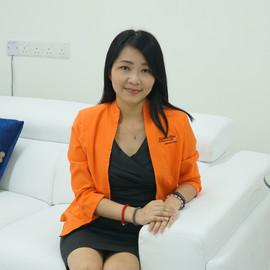 Christina Tan - 税务经理