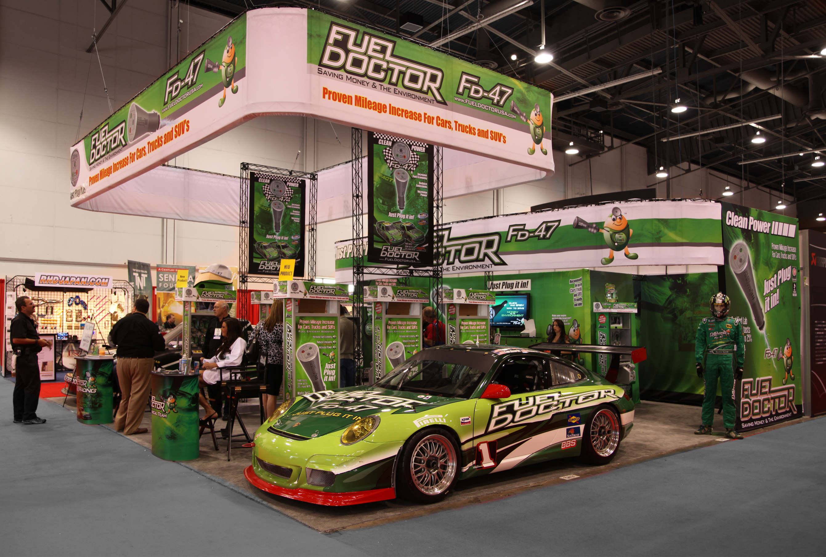 X-10 Fuel Doctor Messestand