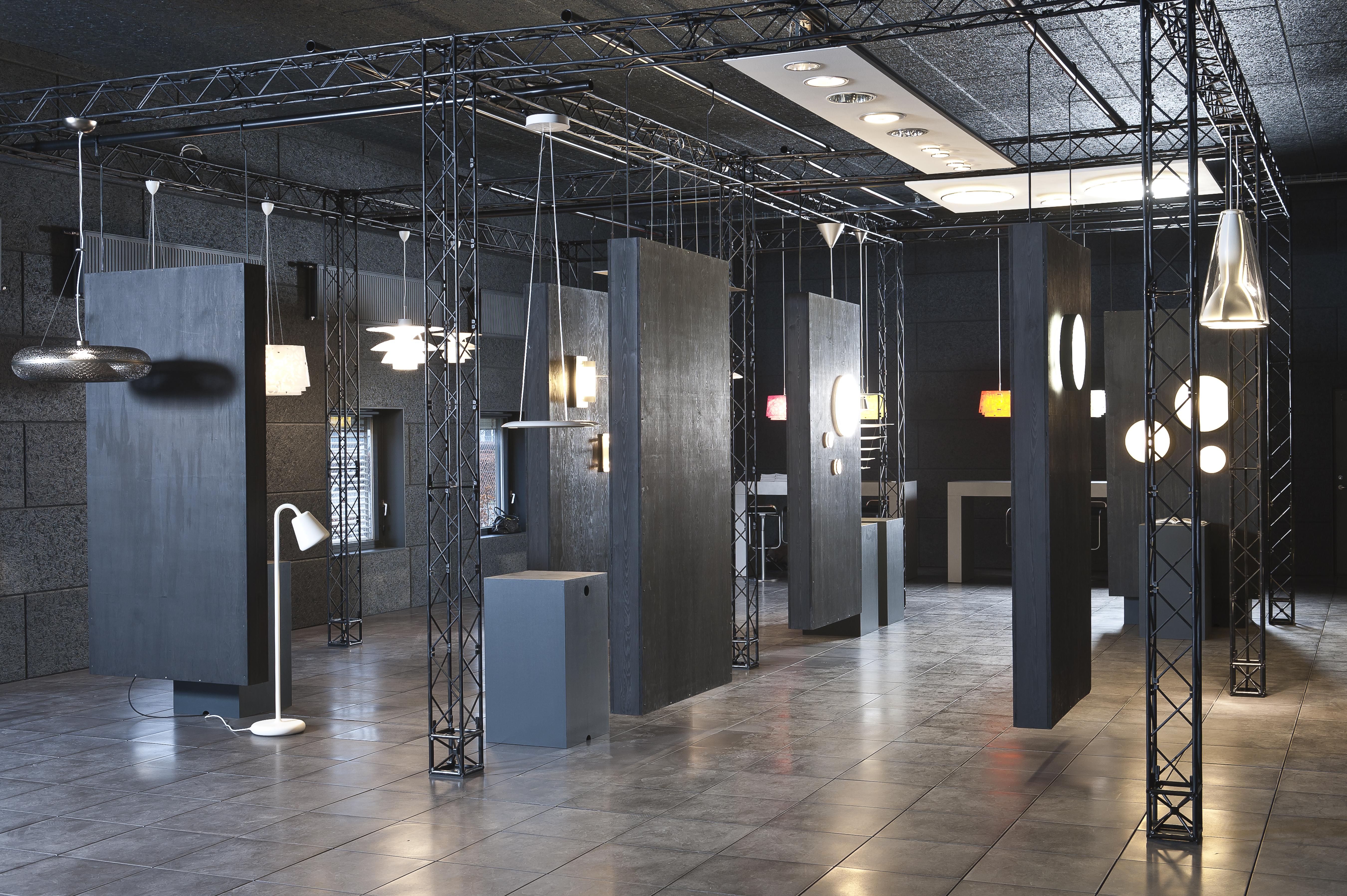 TRUSSwire X-20 Louis Poulsen showroom