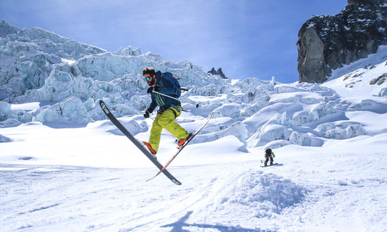Skiing the Vallee Blanche, a 2000m Glacial decent from Aguille du Midi.