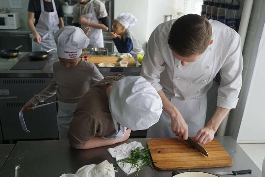 Интенсивный кулинарный курс для мотивированных школьников