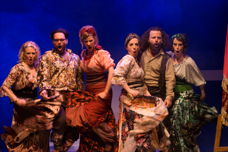 צילום הצגה-יידישפיל ״נשמה צוענית״