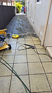 Pressure cleaning drive way