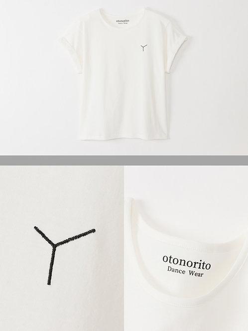 刺繍入りロールアップTシャツ