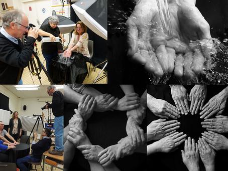 """Photos studio de """"La main"""" pour Salon du livre"""