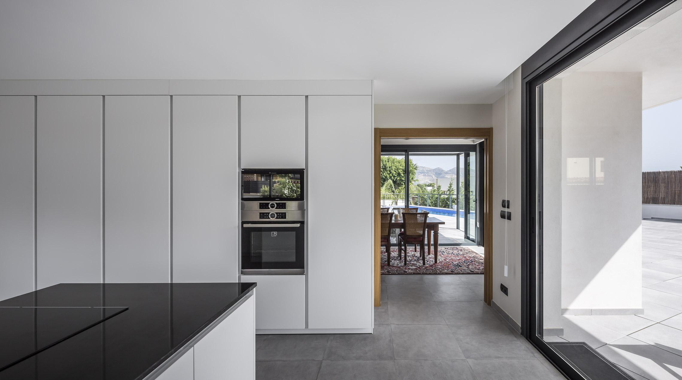Cocina, vista 2. Casa Alicante.