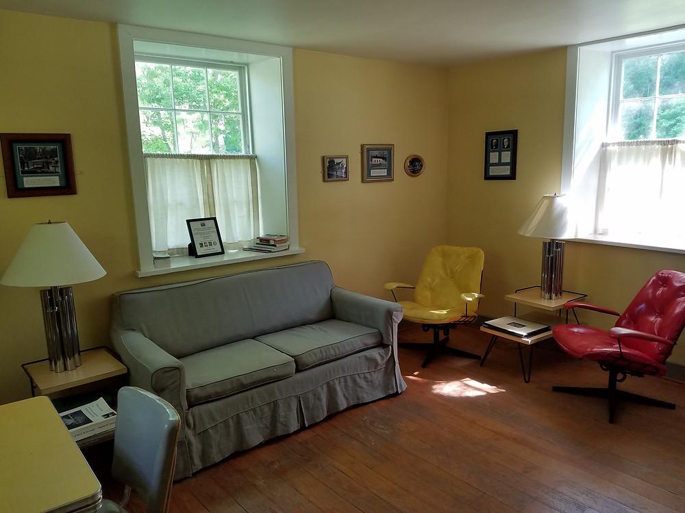 Lockhose six living room