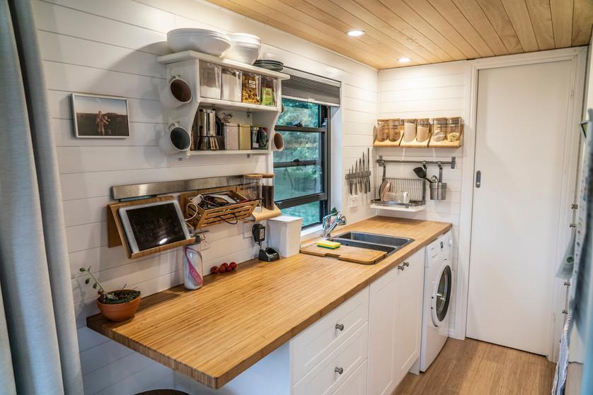 Tiny kitchen - sink side