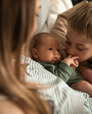 mother newborn baby support group therapy sibling