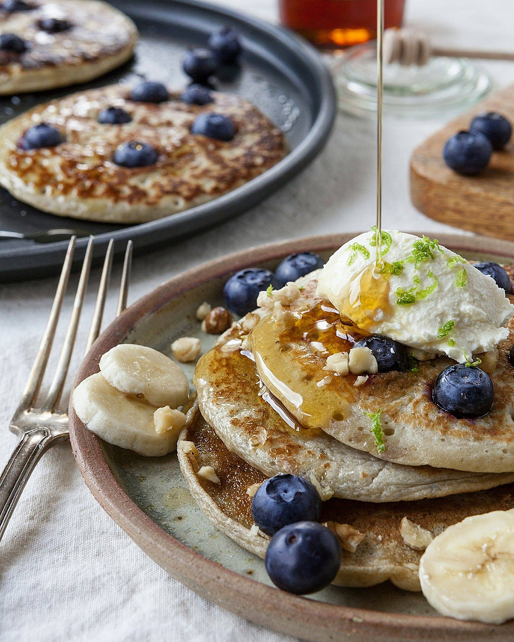 Blueberry banana pancakes - foodstyling by FoodLove - Photography by French Beans