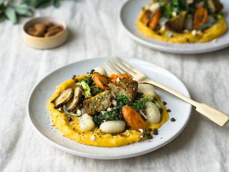 Gnocchi met pompoencrème, geroosterde aardpeer, belugalinzen en winterburger