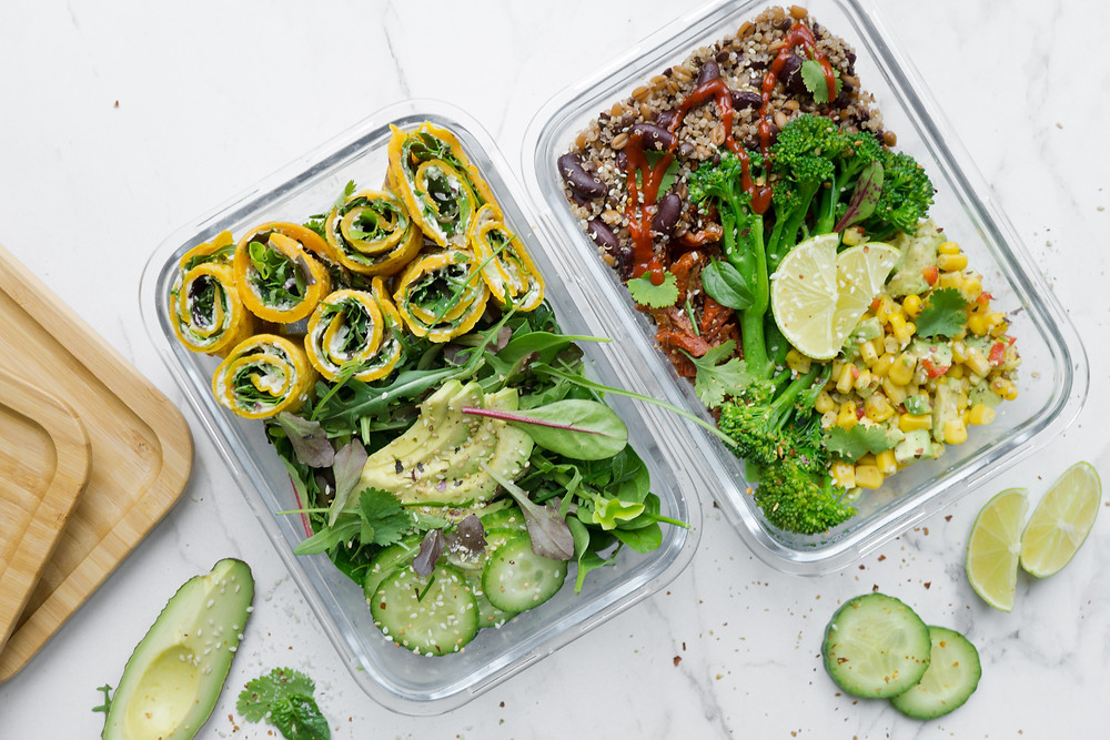 Mealprep lunches in glazen containers ©FoodLove