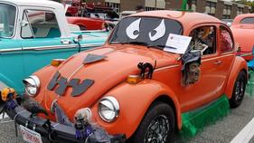 Halloween car 2.jpg