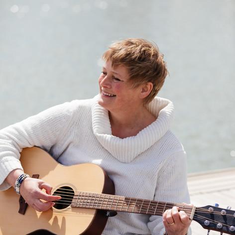 Helen North, Singer Songwriter