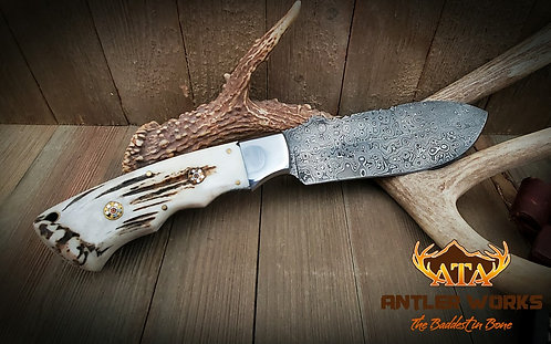 Raindrop Damascus knife with deer antler burr scales