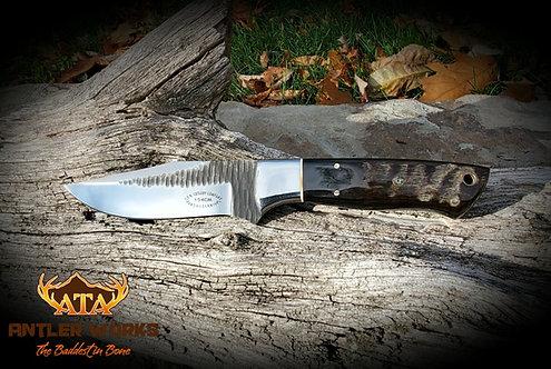 Ram's horn handled hunting knife