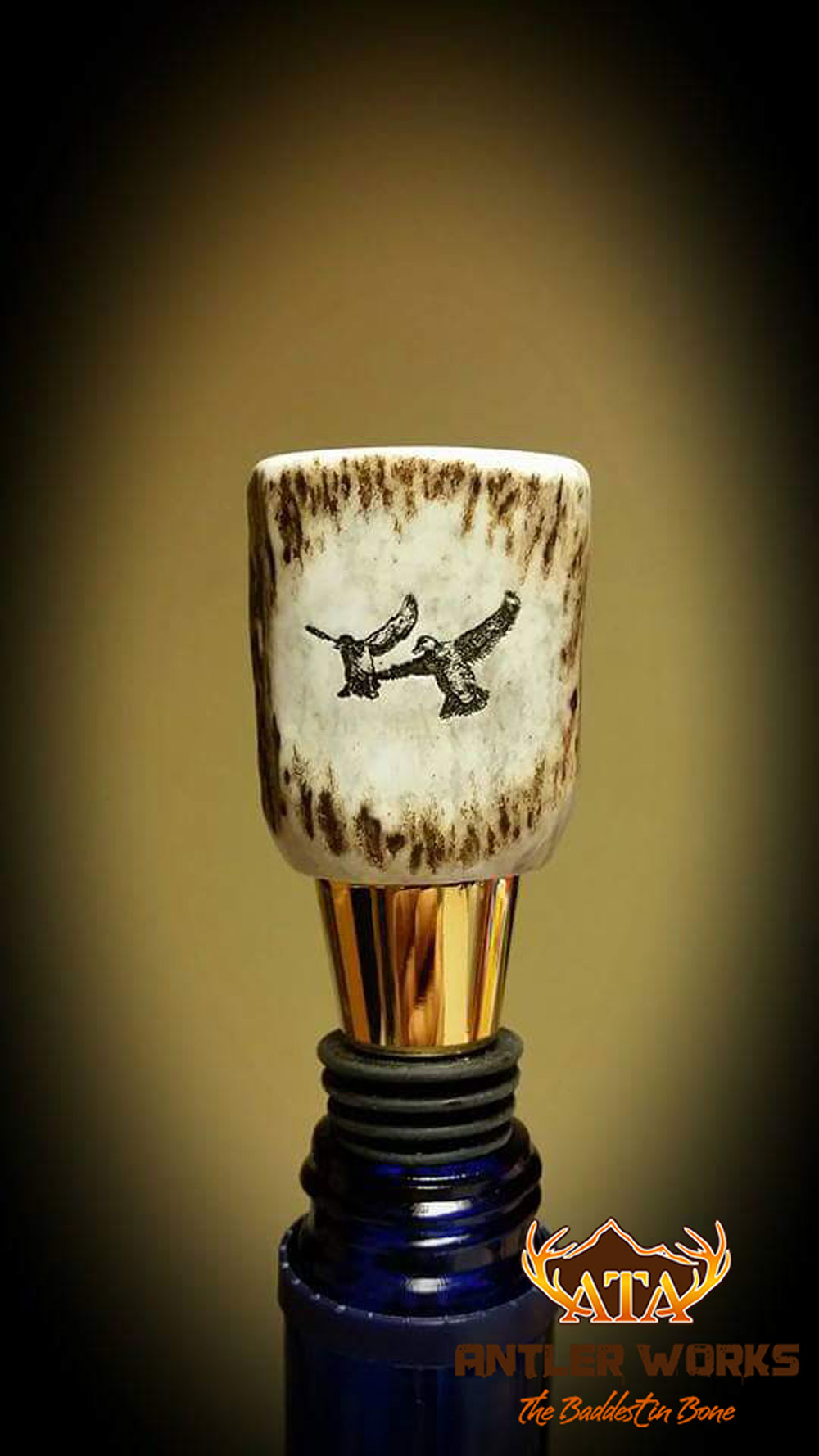 Engraved-Antler-Wine-Bottle-Stopper-Web.
