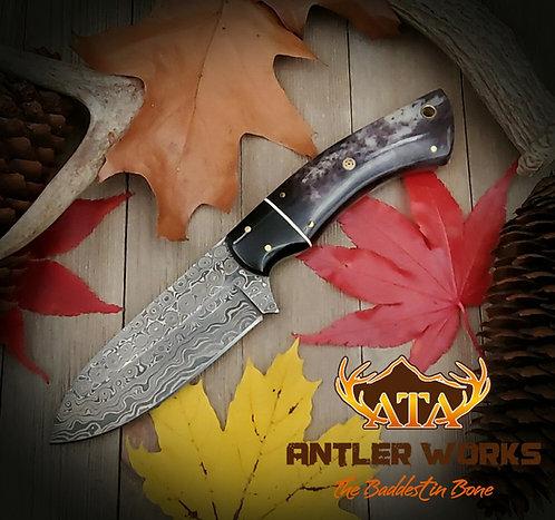 Raindrop Damascus knife with dyed bone scales