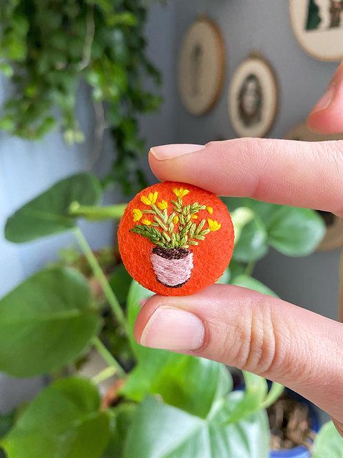Plant button 20-08